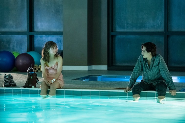 Five Feet Apart- REVIEW