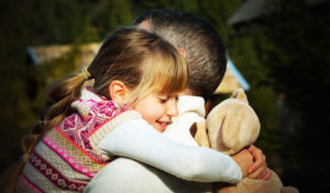 vita da papà abbraccio