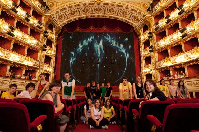 Giovani a teatro: utopia o possibile realtà?