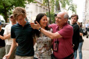 Toby Regbo e Roberto Faenza durante le riprese di
