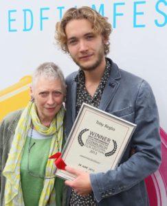 Toby Regbo: film Toby Regbo (con la nonna) - Festival di Edimburgo