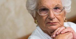 Liliana Segre, la scrittrice di Scolpitelo nel vostro cuore