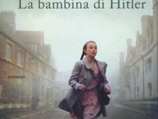 La copertina de La bambina di Hitler