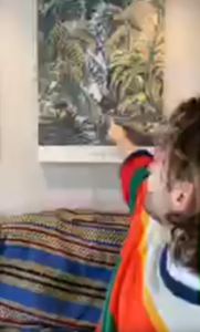 Toby descrive il poster