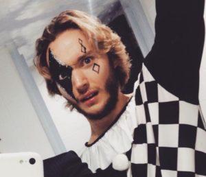 """Toby Regbo: mondo spettacolo... ripresa!? Toby Regbo """"Pierrot"""""""