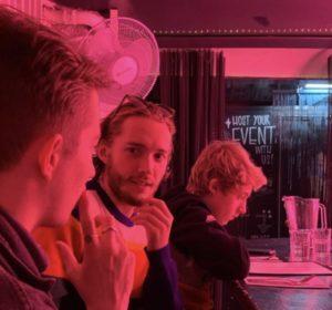 Toby Regbo: mondo spettacolo... ripresa!? Toby Regbo, con i fratelli Louis e Guy, a New York (aprile 2019)