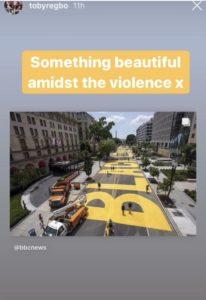 Toby Regbo: e BLM! From @tobyregbo Instagram Story - Immagine simbolo della protesta BLM