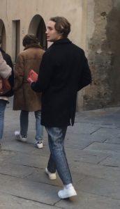 "Toby Regbo: DIAH2 giugno 2020. Toby Regbo - In Italia durante le riprese de ""I Medici 3"" (2018)"