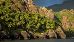 Toby Regbo: Fatu-Hiva. Fatu-Hiva (Isole Marchesi)