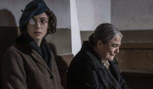 Enrica e Rosa ne il giorno dei morti, quarto episodio de il commissario ricciardi
